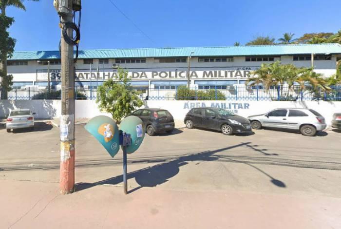 Equipes do 39ºBPM (Belford Roxo) faziam patrulhamento na região, quando receberam a denúncia