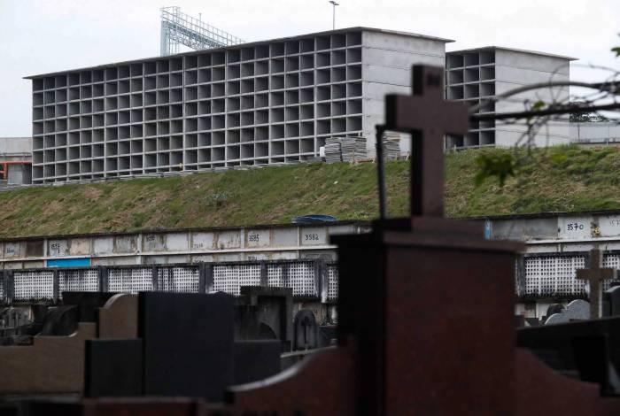 Obras no Cemitério de São Francisco Xavier, no Caju, abrem mais duas mil gavetas para sepultamentos na cidade