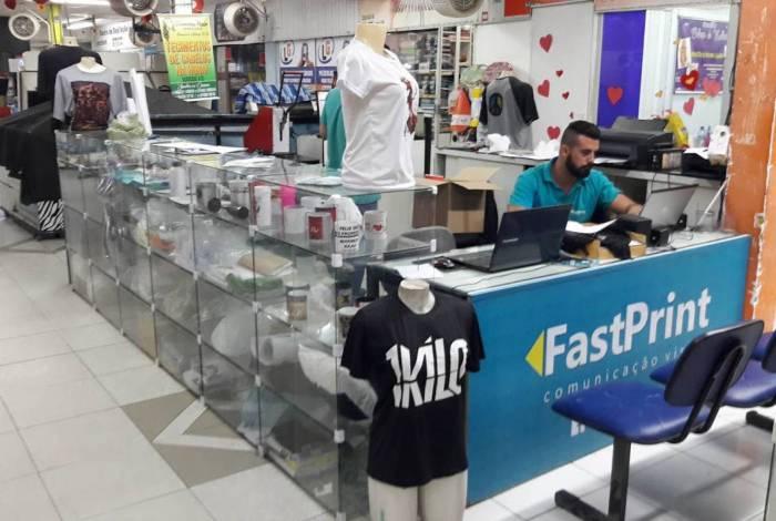 Com os estabelecimentos vazios, lojistas estão precisando buscar alternativas