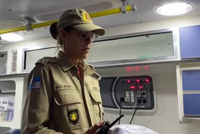 A capitã Paula Mesquita, médica da Diretoria de Socorro de Emergência do Corpo de Bombeiros