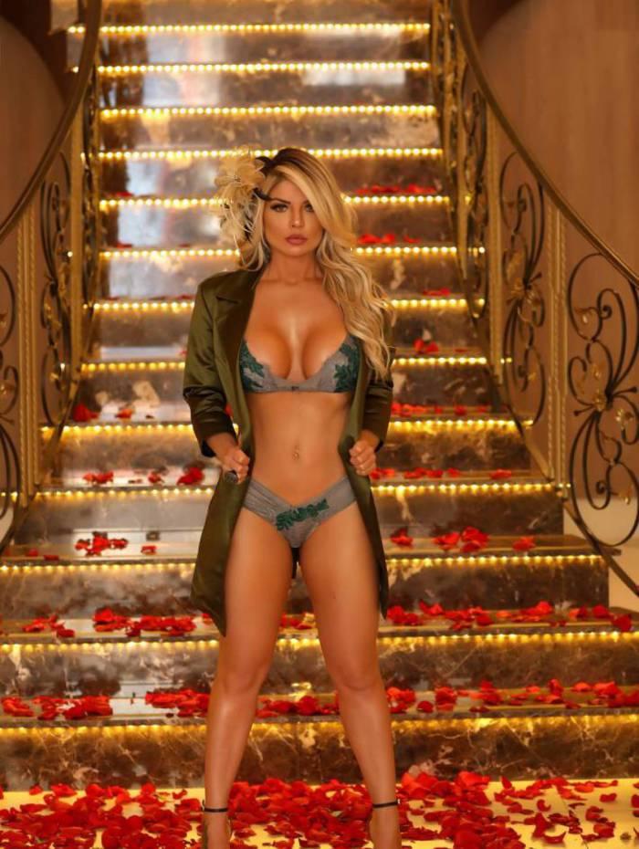 Ícone da Playboy, Viviane Bordin
