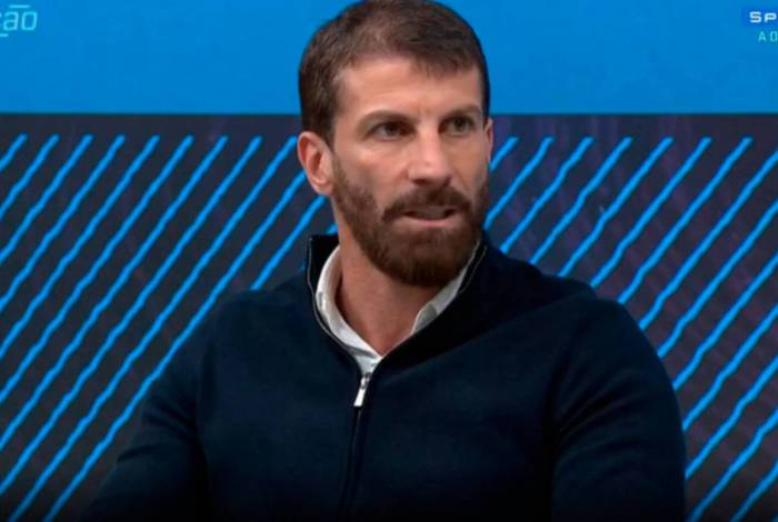 Ex-jogador do Vasco, Pedrinho atualmente compõe o time de comentaristas do SporTV