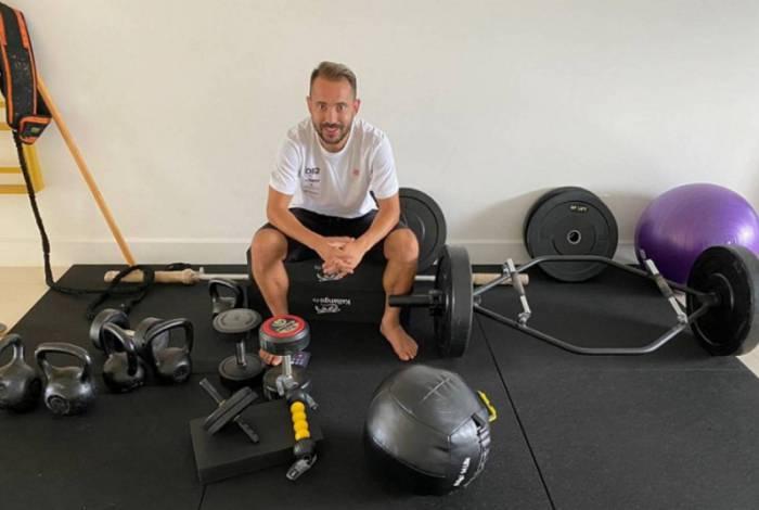 Atletas do Fla, como Everton Ribeiro, estão trabalhando em casa durante quarentena