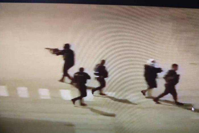 Ação dos criminosos foi registrada por câmeras de segurança