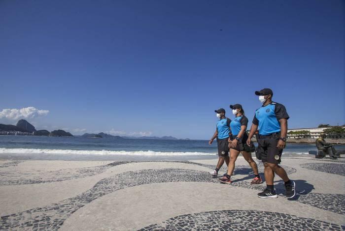 Os agentes da Guarda Municipal do Rio Daniel, Erica e Sergio atuam em Copacabanae região