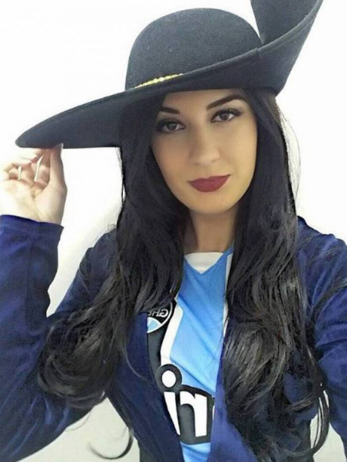 Fernanda Henz, musa do Grêmio