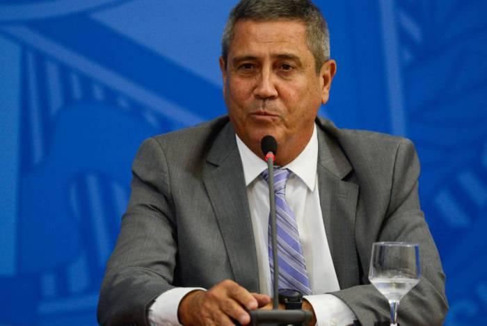 O ministro da Casa Civil, Braga Netto, assinou as exonerações