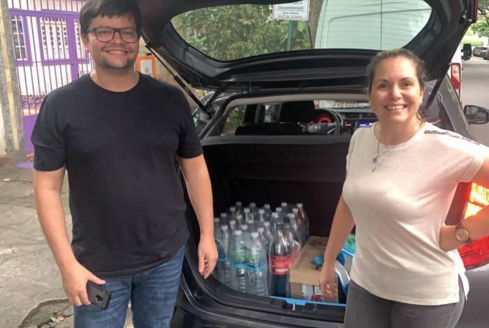 """Com a pandemia, Darci Martins e a esposa, Jacqueline, donos da """"Criando com Arte"""", são parceiros do projeto """"Covid sem fome"""