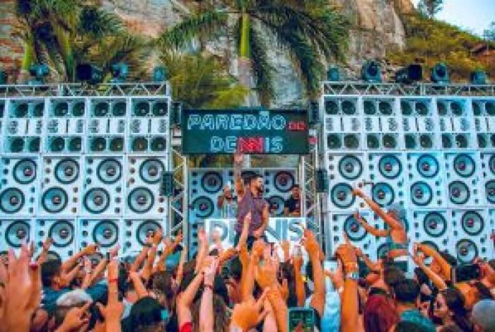 Dennis DJ lança 'Na Frente do Paredão', parceria com Delano e Tainá Costa