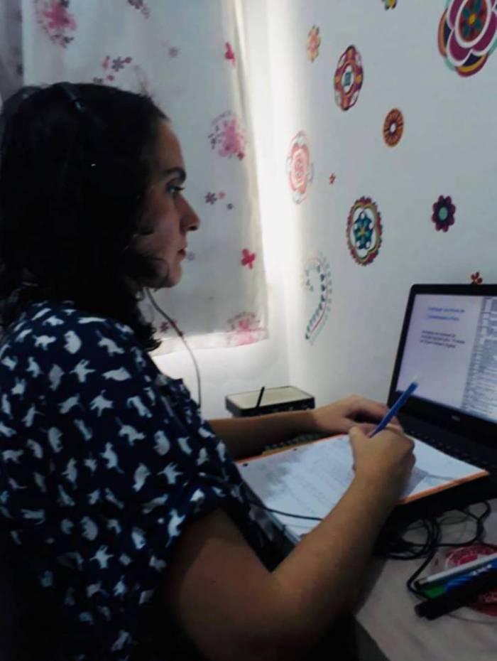 Renata Scarlato participa das aulas em extensa carga horária