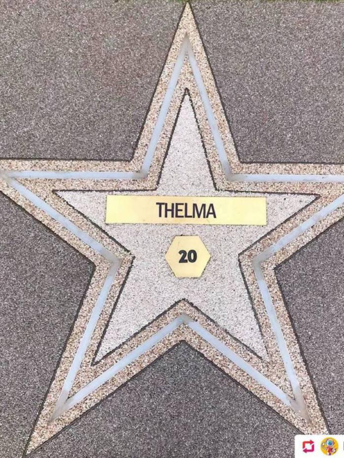 Thelma na calçada da fama do BBB