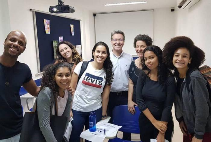 Morador da Zona Oeste, o baiano Laurindo Lima, de 38 anos, é professor de inglês do Brasas, no Rio, há 10