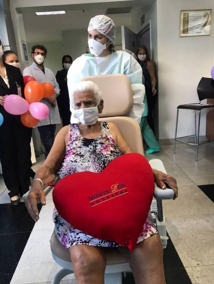 Nair Torres Santos, de 101 anos, venceu a segunda pandemia em dois séculos diferentes