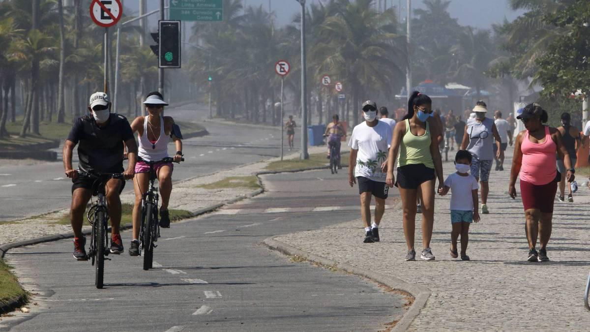 Ciclistas vão a praia nesta sexta-feira, menos com pedido de isolamento