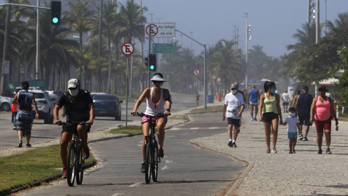 Praia da Barra da Tijuca nesta sexta-feira