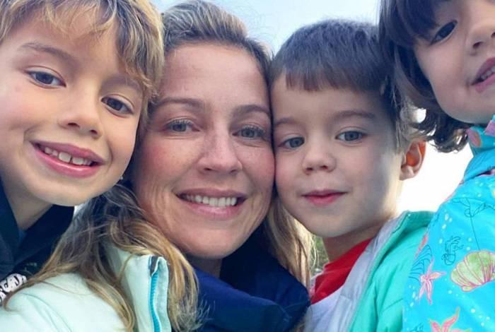 Luana Piovani com os filhos, Dom, Bem e Liz