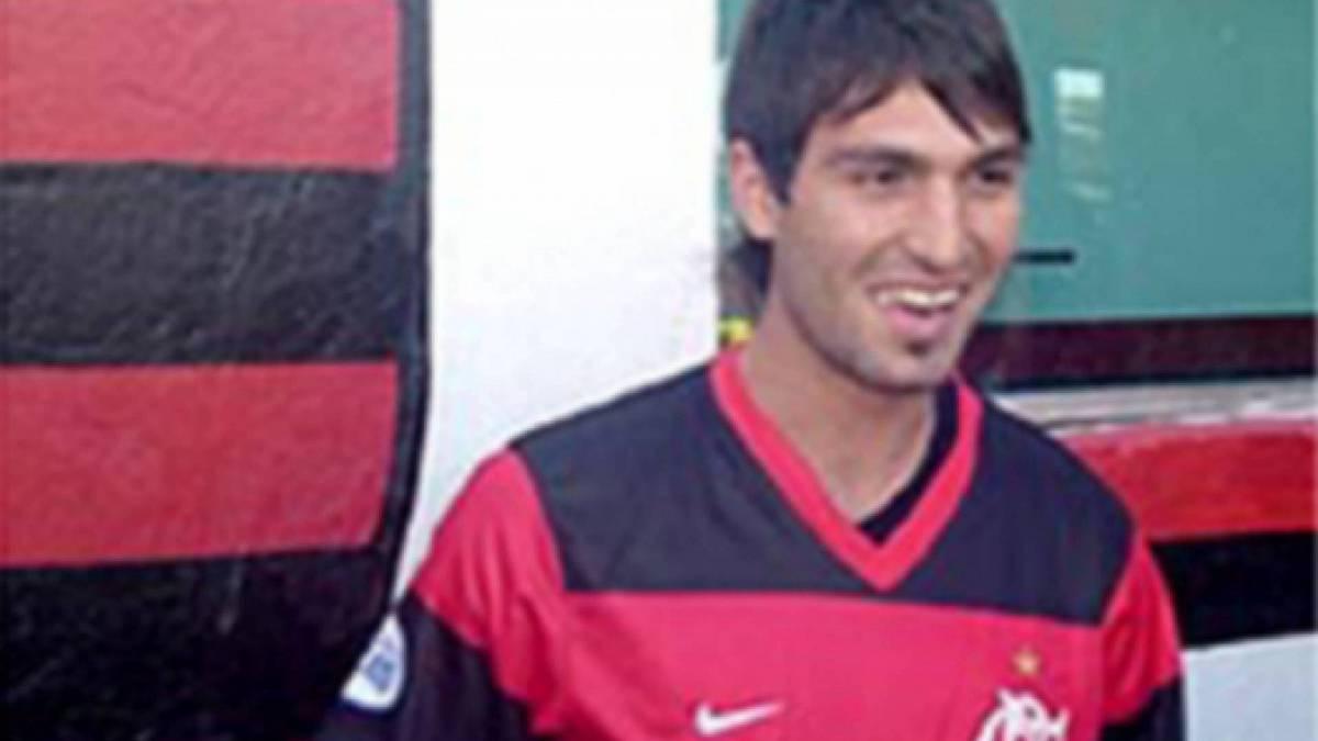 Hugo Colace - Com passagem pelas seleções de base da Argentina, o volante Hugo Colace chegou ao Flamengo após boas temporadas no Argentinos Jrs. e Newell's Old Boys. No entanto, o jogador não teve sucesso no clube carioca e atuou em apenas cinco partidas. Apesar do fracasso na equipe, foi campeão carioca em 2008.