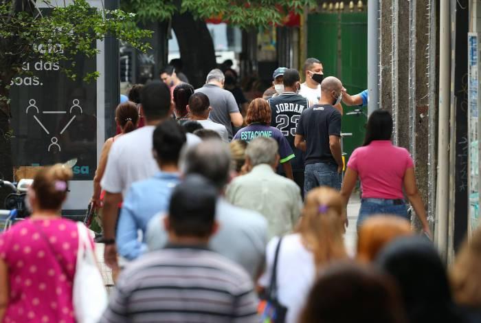 Na Rua Voluntários da Pátria, em Botafogo, a cena é como se fosse de um dia comum