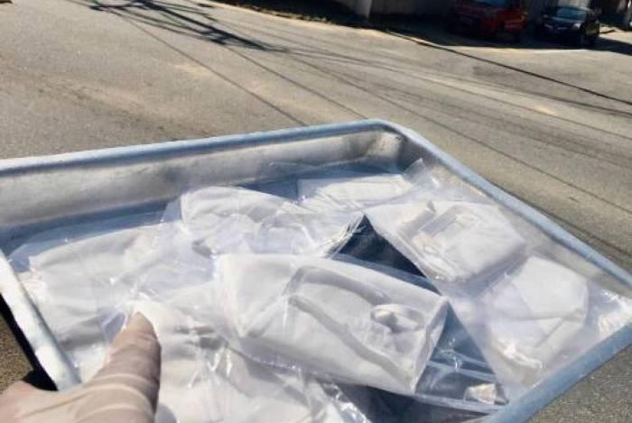 Usuários de barcas, trens e metrô só poderão entrar nos coletivos com uso de máscaras de proteção à covid-19