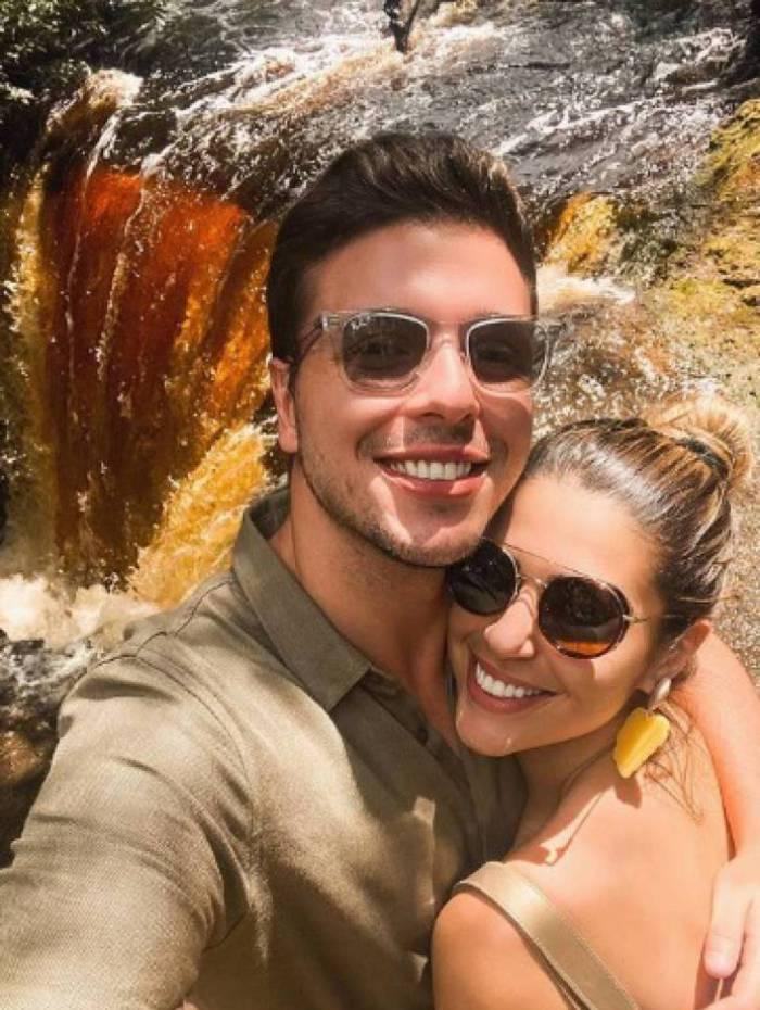 Vivian Amorim e Leo