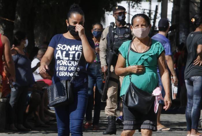 Moradores de Santa Cruz sofrem com a carência de unidades de saúde. Hospital de campanha é muito esperado