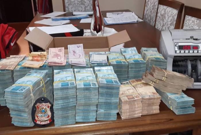 Mais de R$ 1,5 milhão apreendido em Valença