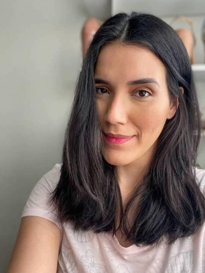 May Barbosa, influencer,falou de cuidados com a pele