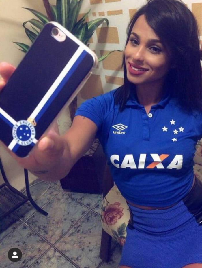 Kamilla Dias é musa do Cruzeiro