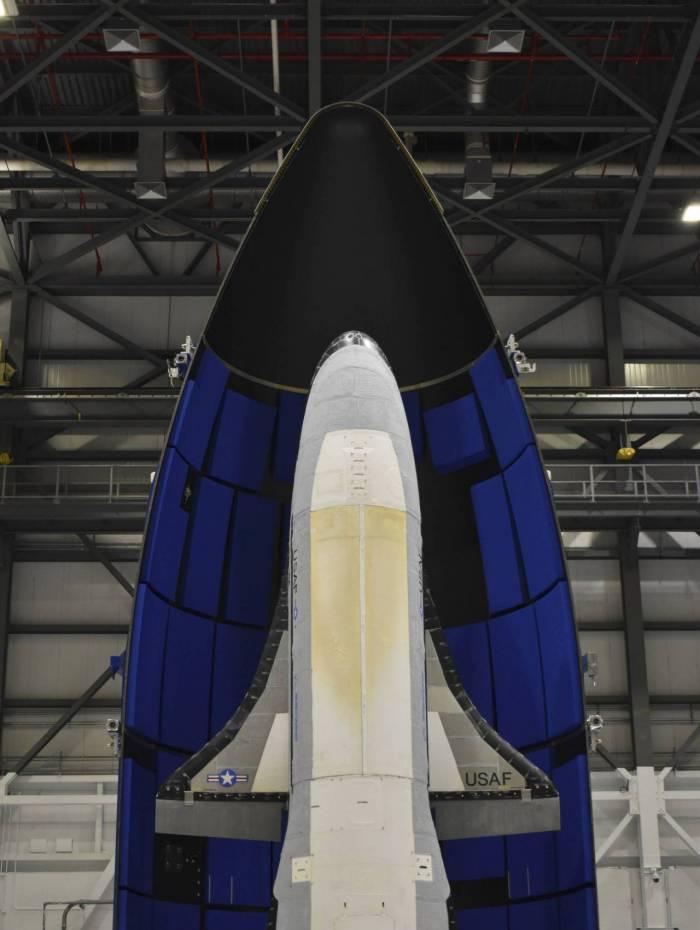 Força Aérea dos EUA, em 17 de maio, lançou o drone de alta tecnologia X-37B, colocando o veículo reutilizável em órbita para sua sexta missão secreta no espaço