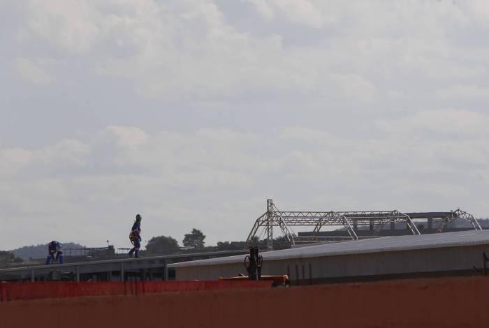 Hospital de campanha de Nova Iguacu ainda está em fase de obras