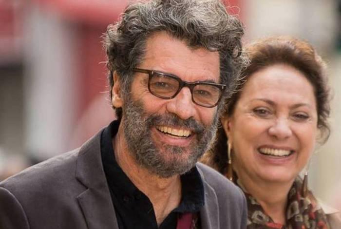As estrelas globais Paulo Betti e Eliane Giardini, ex-casal na vida real, interpretam marido e mulher