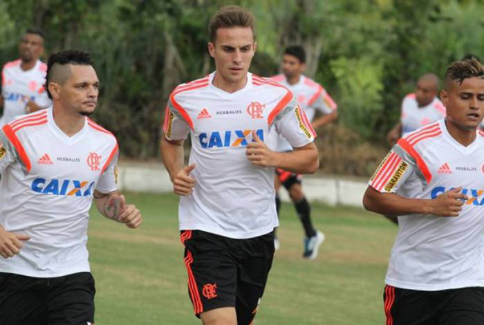 Bressan não teve grande passagem pelo Flamengo em 2015