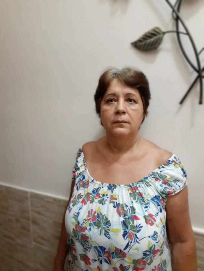 Professora Maria da Conceição Barroso deu aulas durante 37 anos, enfrentando área de risco, pra agora viver na angústia da incerteza.