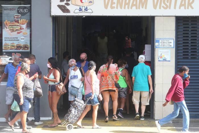 Rio,22/05/2020 -COVID-19 -CORONAVIRUS ,MADUREIRA, Mercadao de Madureira, movimentacao em Madureira .Na foto. entrada para o mercadao.Foto: Cleber Mendes/Agência O Dia