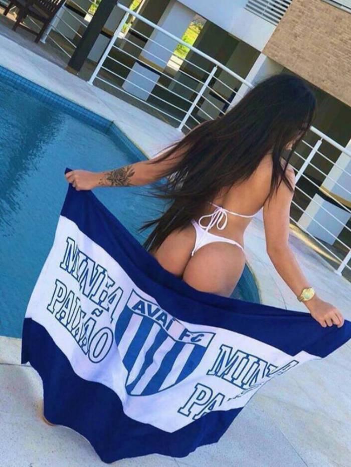 Anna Coradini é musa do Avaí