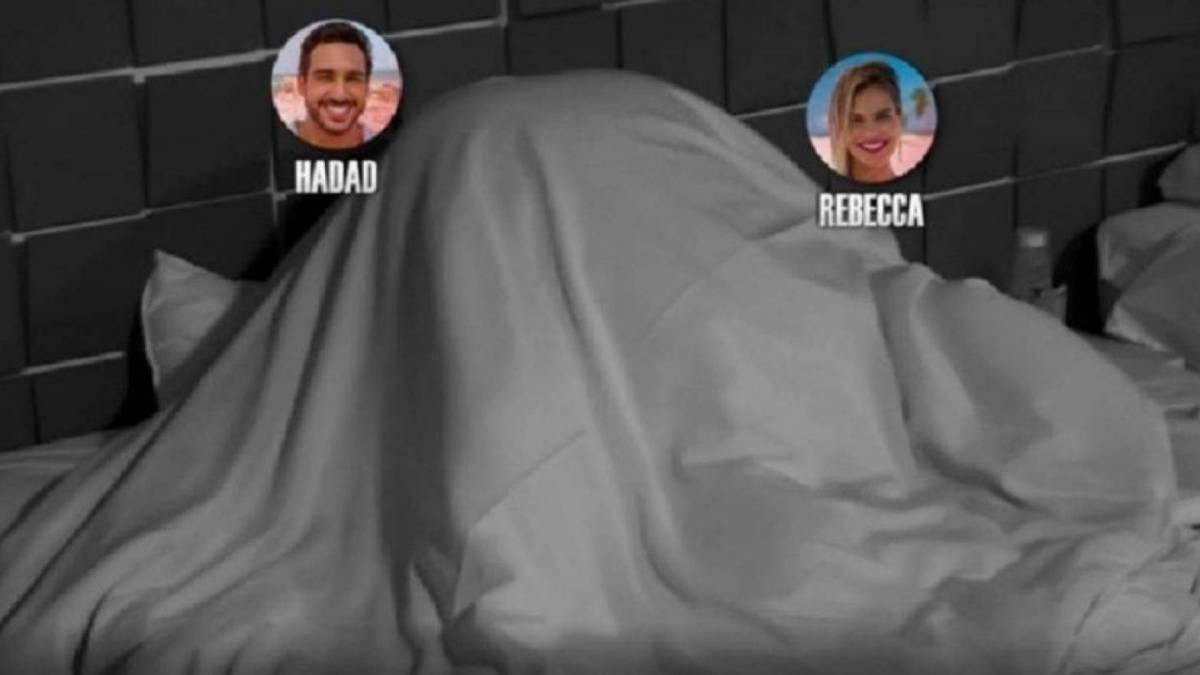 João e Rebecca tiveram uma recaída e transaram escondidos dos outros participantes