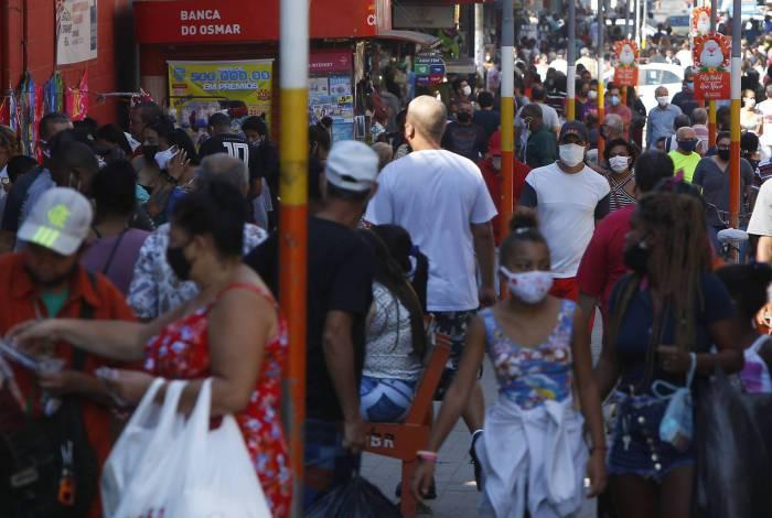 Rio de Janeiro 29/05/2020 - Covid-19 - Movimentacao no centro da cidade de B. Roxo. Foto: Luciano Belford/Agencia O Dia