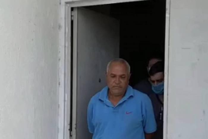 Homem é preso suspeito de esfaquear a mulher e ferir a filha, em Piabetá, distrito de Magé