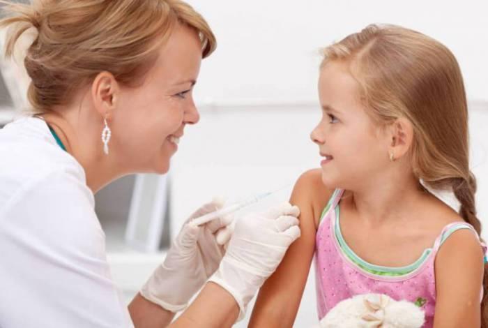 Pais ou responsáveis devem levar as cadernetas de vacinação para atualização das vacinas