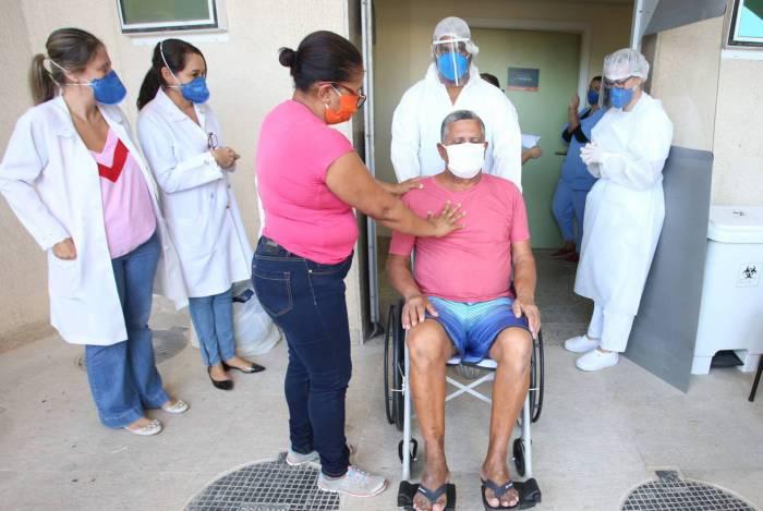 No momento, 883 doentes se tratam em isolamento domiciliar