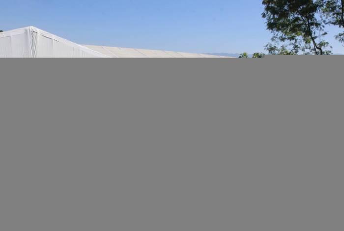 Rio de Janeiro - RJ  - 01/06/2020 - COVID 19 - Coronavirus no Rio - Movimentacao das obras no Hospital de campanha de Duque de caxias, na baixada fluminense, na manha de hoje -  Foto Reginaldo Pimenta / Agencia O Dia