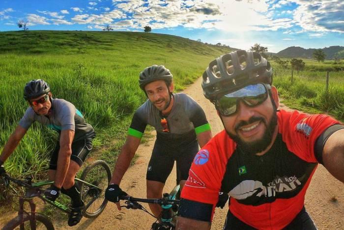 Fred começa pedalada rumo ao Rio