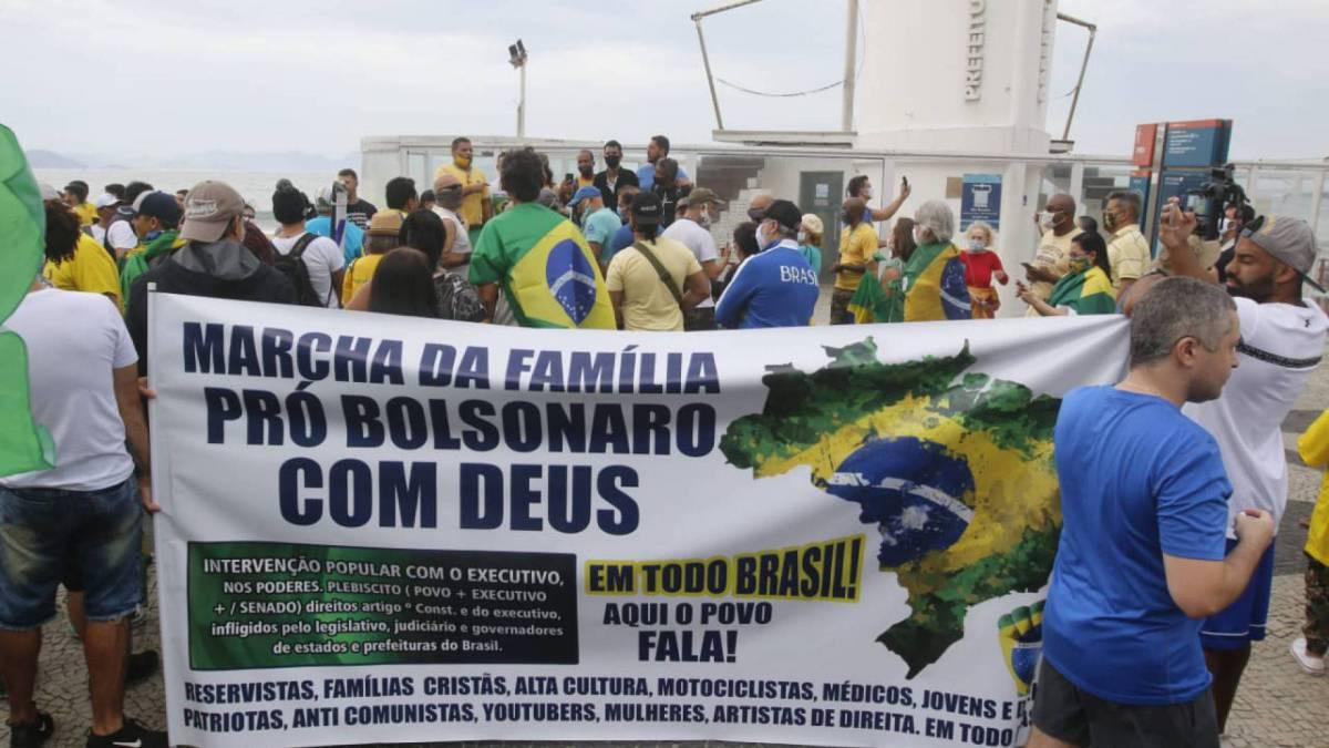 Manifestações de apoio ao governo do presidente Jair Bolsonaro na Orla de Copacabana, na Zona Sul do Rio