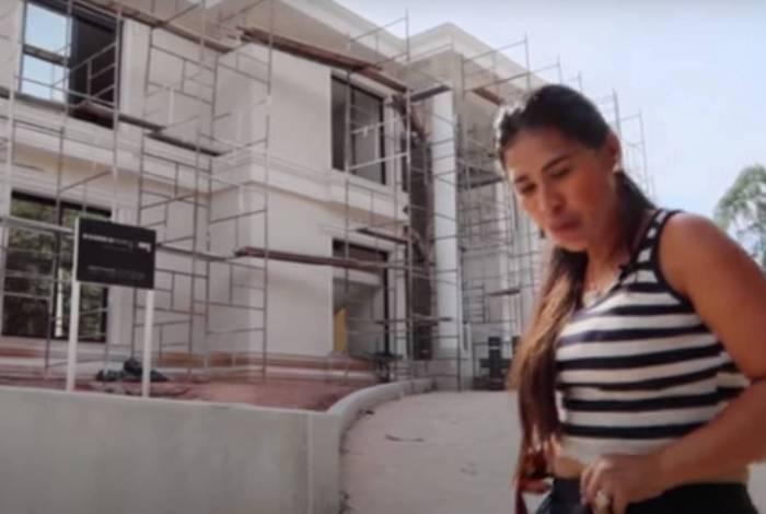 Simone e sua nova mansão