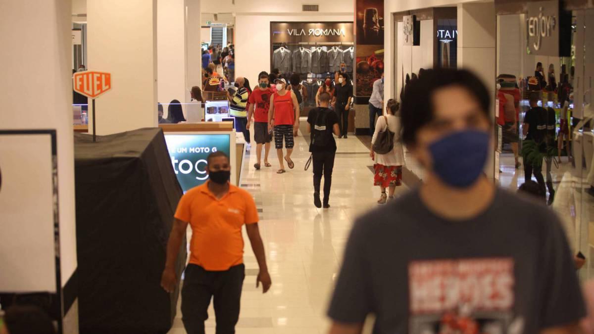 Rio, 11/06/2020  - COVID 19 - CORONAVIRUS - Primeiro dia Reaberturas dos shopping center. Nova America, Del Castilho. zona norte do Rio. coronavirusrio. Na Foto,   Foto: Ricardo Cassiano/Agencia O Dia