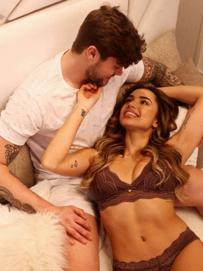 Ex-BBB Paula Amorim elege lingerie para comemorar o Dia dos Namorados