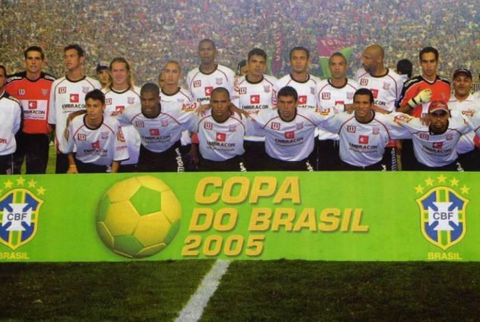 Paulista venceu a Copa do Brasil de 2005 sobre o Fluminense