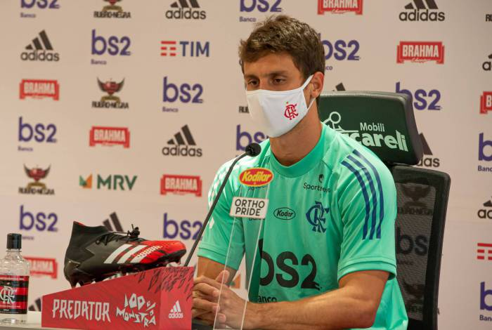 Rodrigo Caio é titular da zaga do Flamengo, que joga hoje