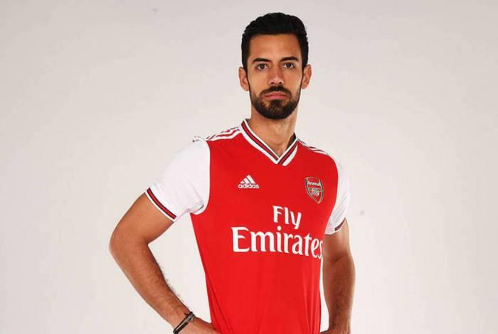 Pablo Marí chegou ao clube inglês recentemente