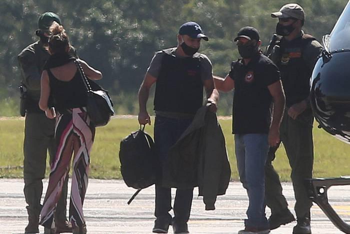 Advogado quer o fim da prisão domiciliar de Queiroz